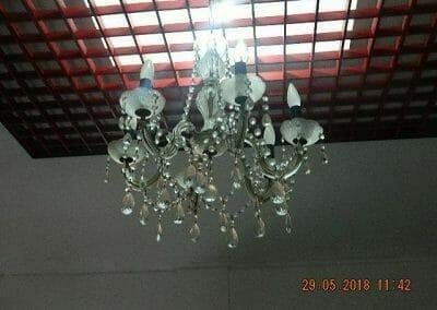 cuci-lampu-kristal-ibu-maria-04