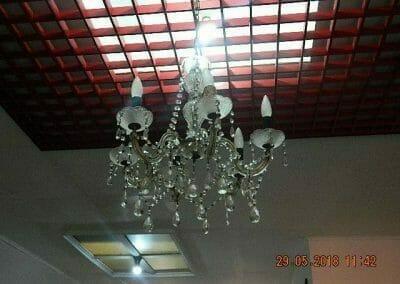 cuci-lampu-kristal-ibu-maria-05