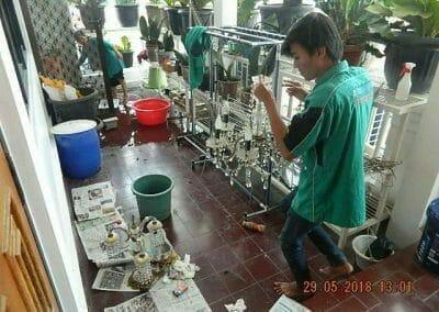 cuci-lampu-kristal-ibu-maria-11