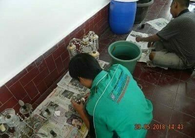 cuci-lampu-kristal-ibu-maria-22