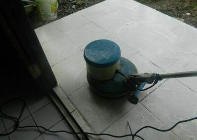 cuci-lantai-keramik-ibu-nita-08