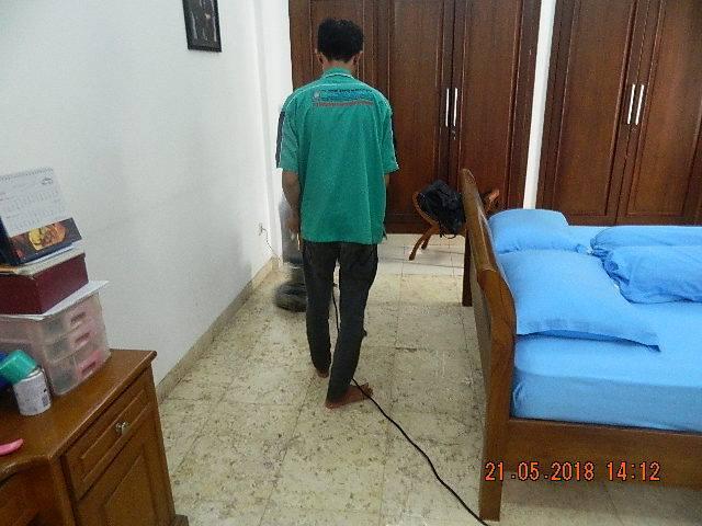 Cuci Lantai Marmer Ibu Intan Perumahan Kranggan Permai