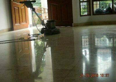 cuci-lantai-marmer-ibu-intan-03