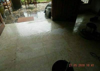 cuci-lantai-marmer-ibu-intan-04