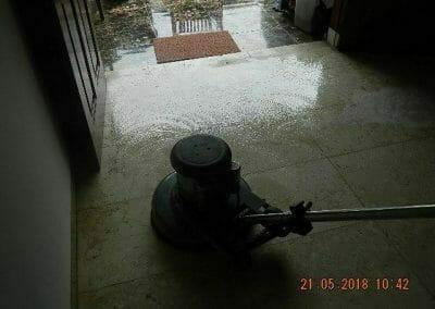 cuci-lantai-marmer-ibu-intan-06