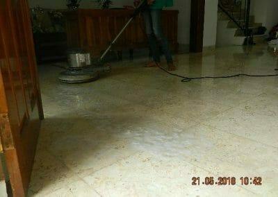 cuci-lantai-marmer-ibu-intan-07