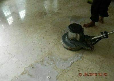 cuci-lantai-marmer-ibu-intan-09