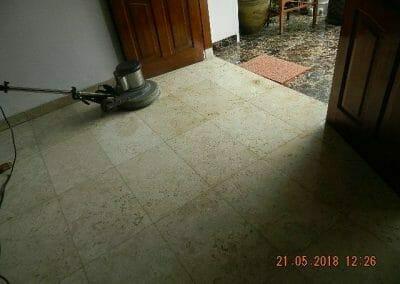 cuci-lantai-marmer-ibu-intan-10