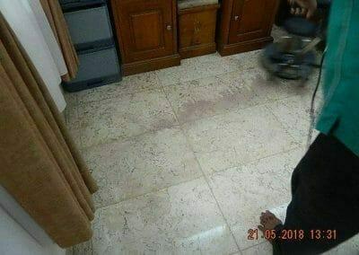 cuci-lantai-marmer-ibu-intan-13