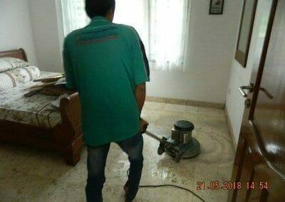 cuci-lantai-marmer-ibu-intan-20