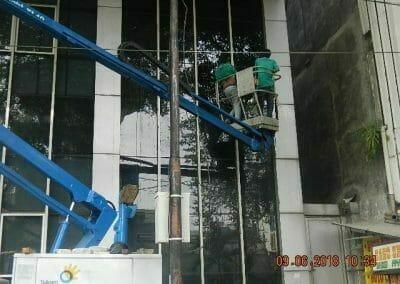 cuci-kaca-cuci-acp-gedung-bank-mandiri-blok-m-09