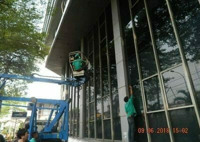 cuci-kaca-cuci-acp-gedung-bank-mandiri-blok-m-29
