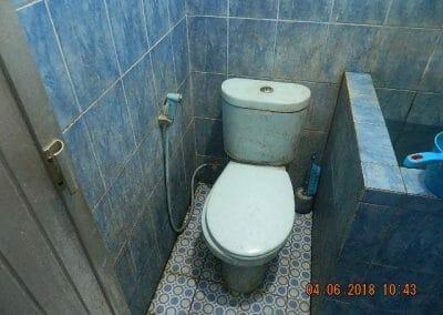 cuci-kamar-mandi-bapak-ade-10