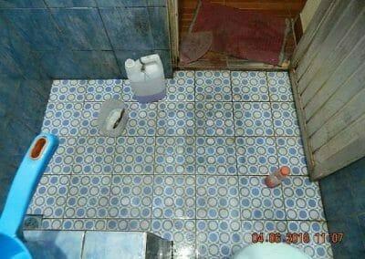 cuci-kamar-mandi-bapak-ade-24