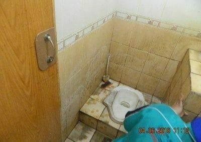 cuci-kamar-mandi-bapak-ade-36