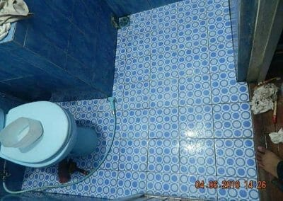 cuci-kamar-mandi-bapak-ade-49