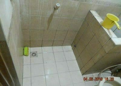 cuci-kamar-mandi-bapak-ade-56