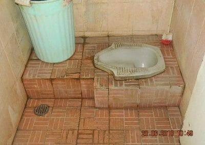 cuci-kamar-mandi-ibu-ria-05