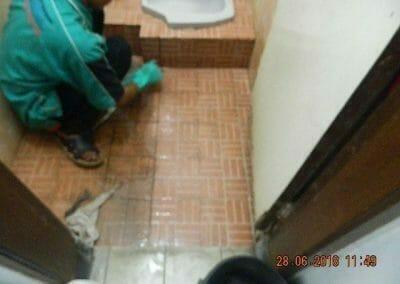 cuci-kamar-mandi-ibu-ria-22