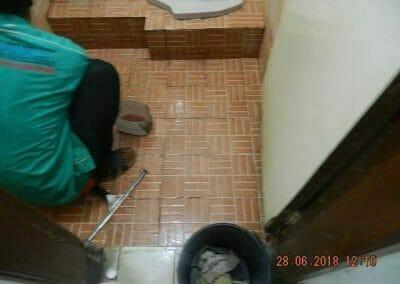 cuci-kamar-mandi-ibu-ria-27