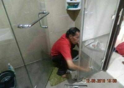 cuci-kamar-mandi-pembersihan-menyeluruh-pembuatan-taman-06