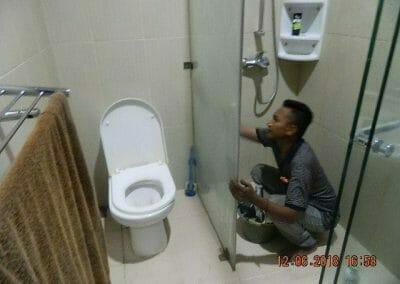 cuci-kamar-mandi-pembersihan-menyeluruh-pembuatan-taman-10