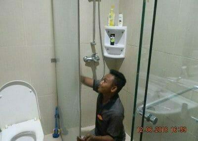 cuci-kamar-mandi-pembersihan-menyeluruh-pembuatan-taman-15