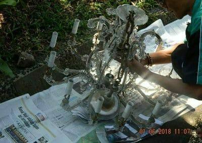 cuci-lampu-kristal-ibu-julianti-07