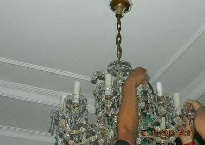 cuci-lampu-kristal-ibu-julianti-24