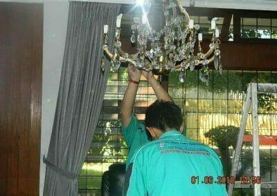cuci-lampu-kristal-ibu-julianti-31