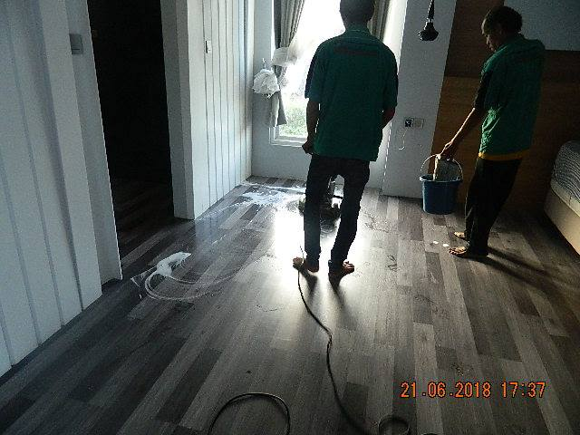 General Cleaning | Cuci Lantai Ibu Reni Perum Kavling DKI