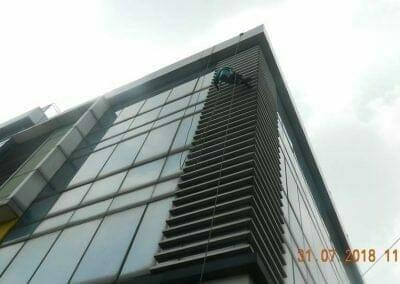 cuci-kaca-gedung-bri-11
