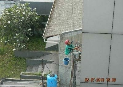 cuci-kaca-gedung-plasa-telkom-43
