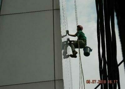 cuci-kaca-gedung-plasa-telkom-56