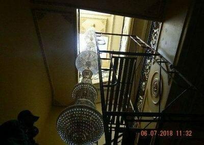 cuci-lampu-kristal-ibu-novita-ikasari-02