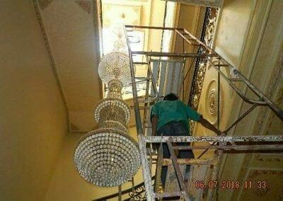 cuci-lampu-kristal-ibu-novita-ikasari-03