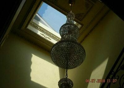 cuci-lampu-kristal-ibu-novita-ikasari-09