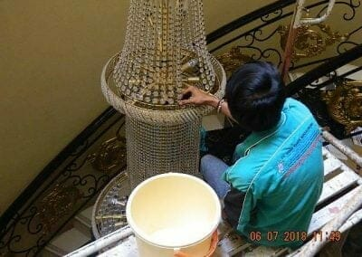 cuci-lampu-kristal-ibu-novita-ikasari-20