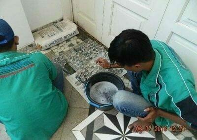 cuci-lampu-kristal-ibu-novita-ikasari-27