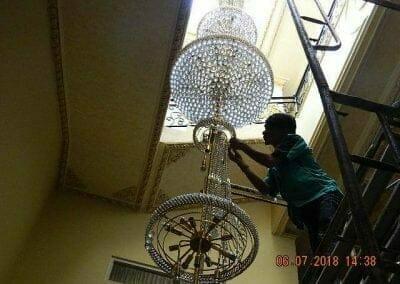 cuci-lampu-kristal-ibu-novita-ikasari-49