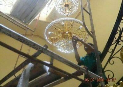 cuci-lampu-kristal-ibu-novita-ikasari-56
