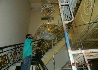 cuci-lampu-kristal-ibu-novita-ikasari-59