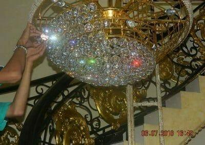 cuci-lampu-kristal-ibu-novita-ikasari-61