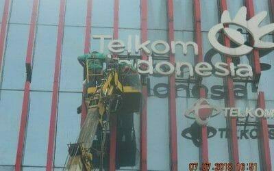 Jasa Pembersih Gedung Plasa Telkom | Cuci Kaca | Cuci ACP