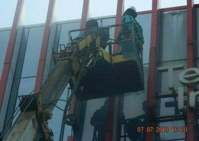 jasa-pembersih-gedung-plasa-telkom-06