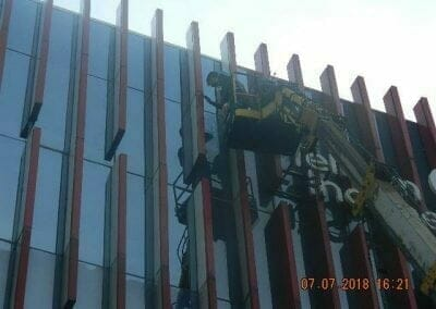 jasa-pembersih-gedung-plasa-telkom-08