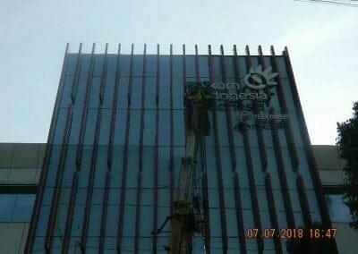 jasa-pembersih-gedung-plasa-telkom-20