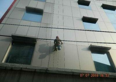 jasa-pembersih-gedung-plasa-telkom-23