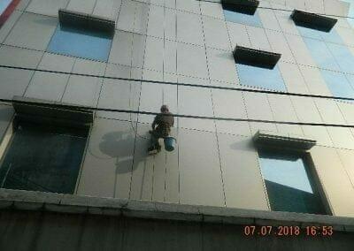 jasa-pembersih-gedung-plasa-telkom-24