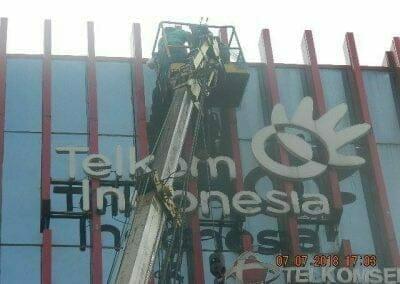 jasa-pembersih-gedung-plasa-telkom-27